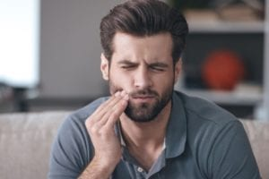 3 Common Dental Emergencies and How to Deal With Them